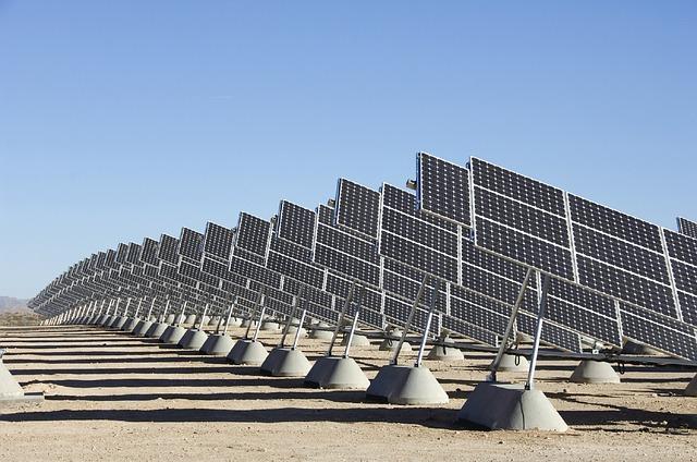 Elektrownie fotowoltaiczne zamiast atomowych?