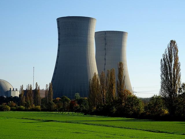 Raport o OZE: fotowoltaika bardziej opłacalna od elektrowni jądrowych?